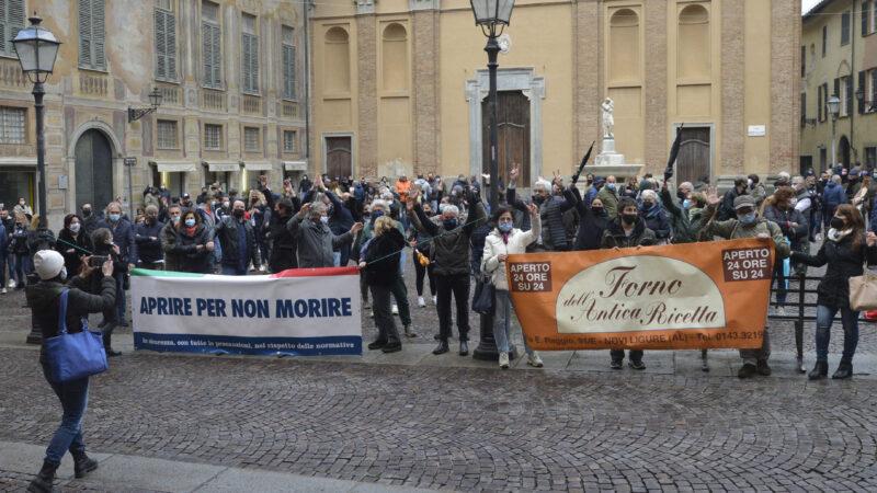 Buona partecipazione alla manifestazione dei commercianti