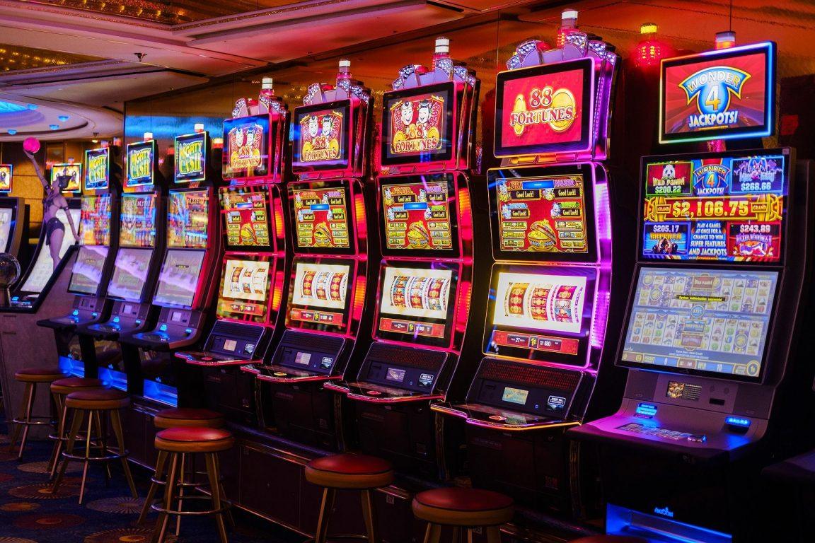 Slot machine, la destra tenta il blitz per eliminare il distanziamento