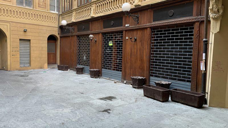 Galleria Perelli, da salotto di Novi a latrina