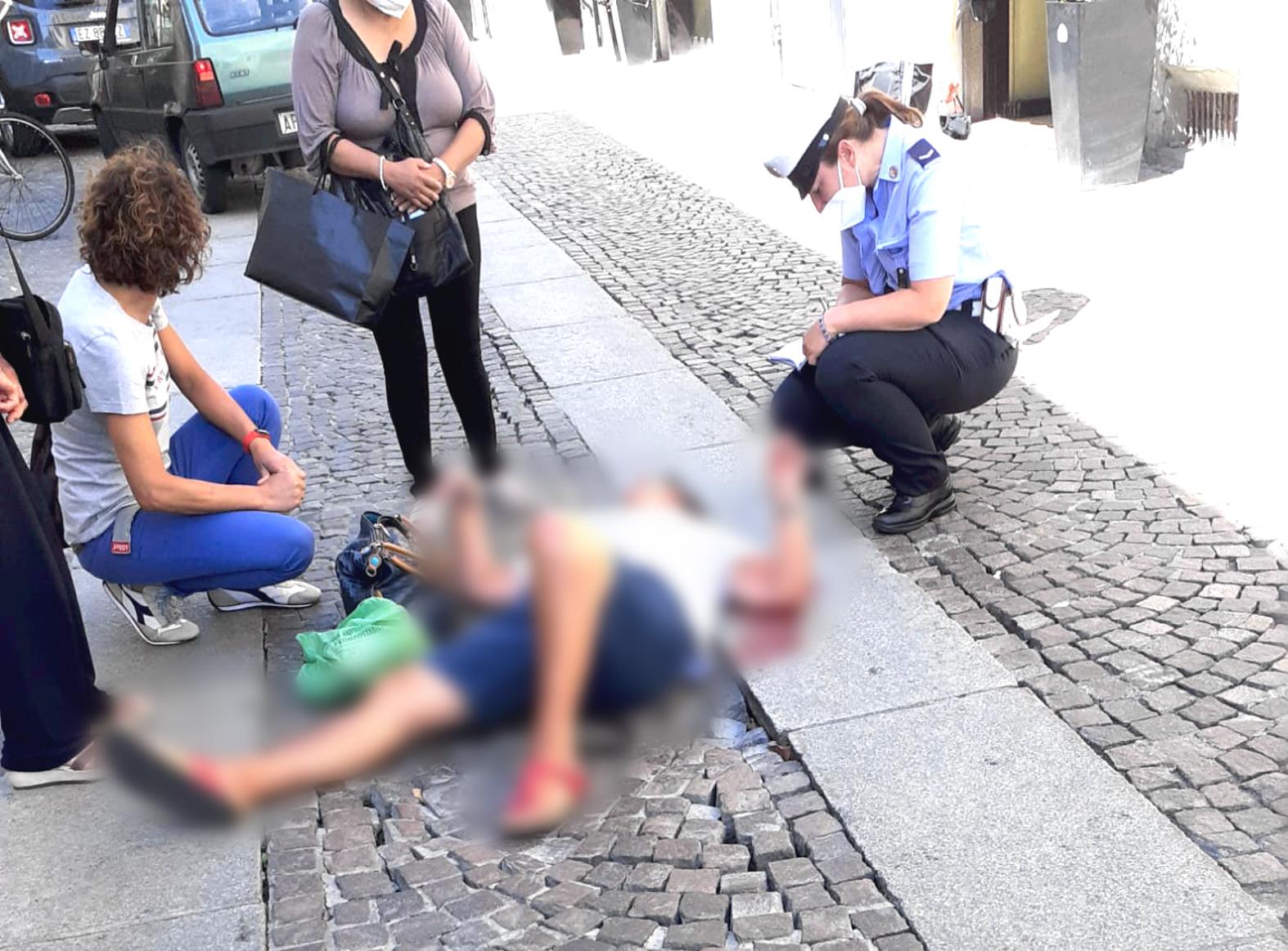 L'appello di via Roma: «Chiudete quella buca assassina!»